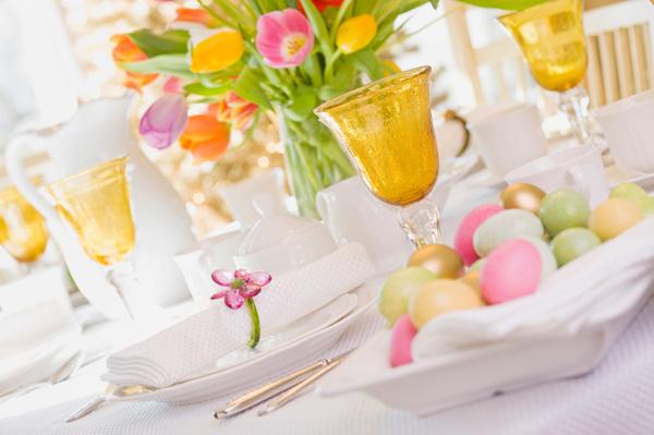 easter-brunch-table_qmqugu